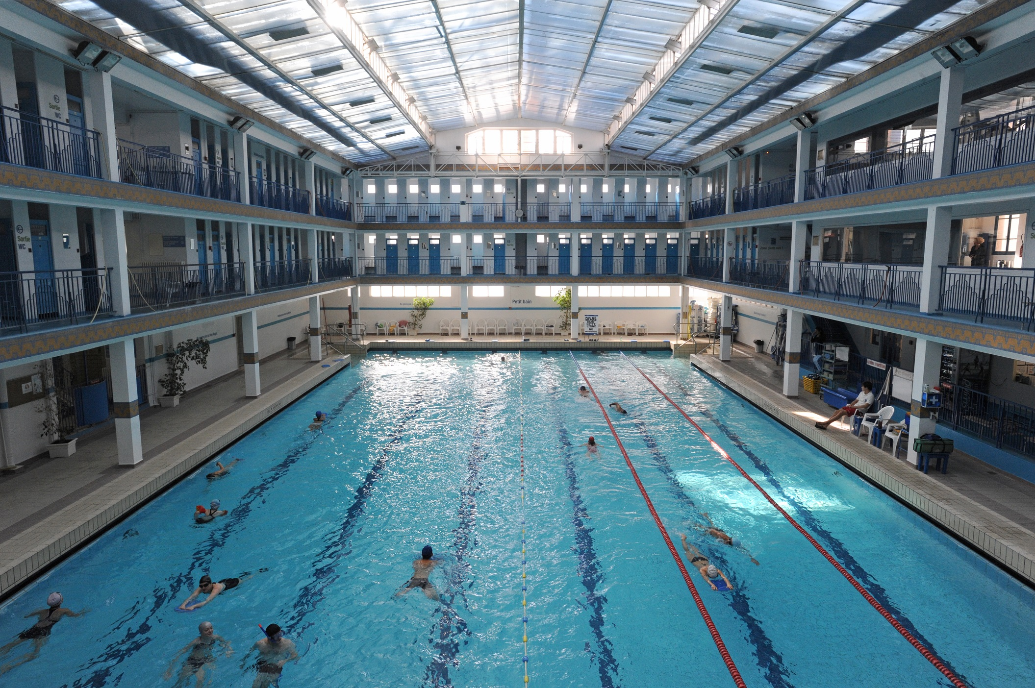 Les piscines du 5e arrondissement mairie du 5e for Piscine pontoise