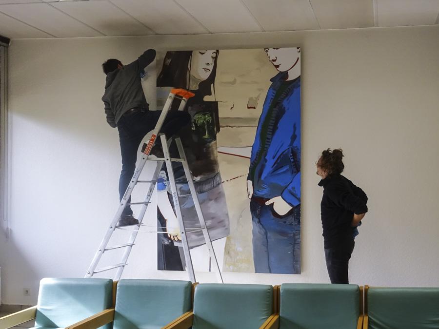 Installation de l'oeuvre de Françoise Pétrovitch, Sans Titre, à l'EHPAD de Cachan (94)