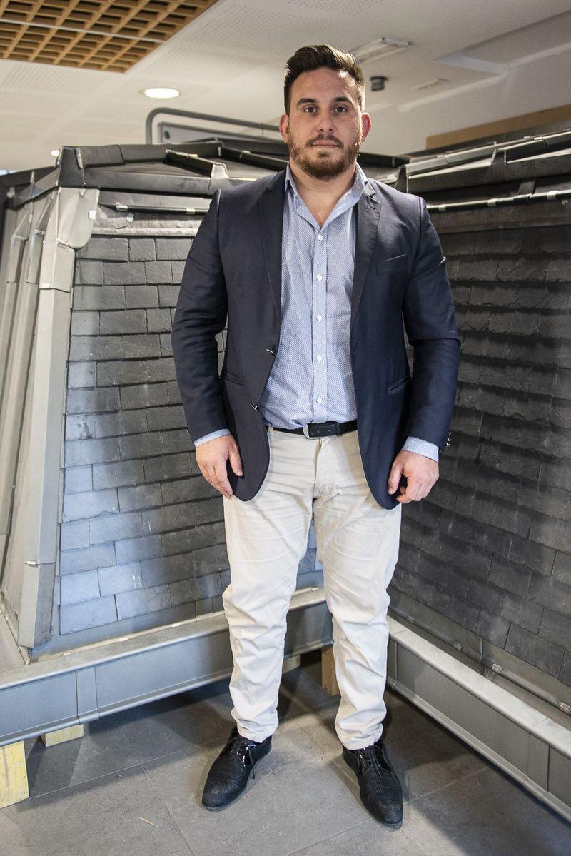 Vincent Agostino, 27 ans,  originaire de Lyon, à la fois couvreur et prévôt (directeur) de la maison parisienne