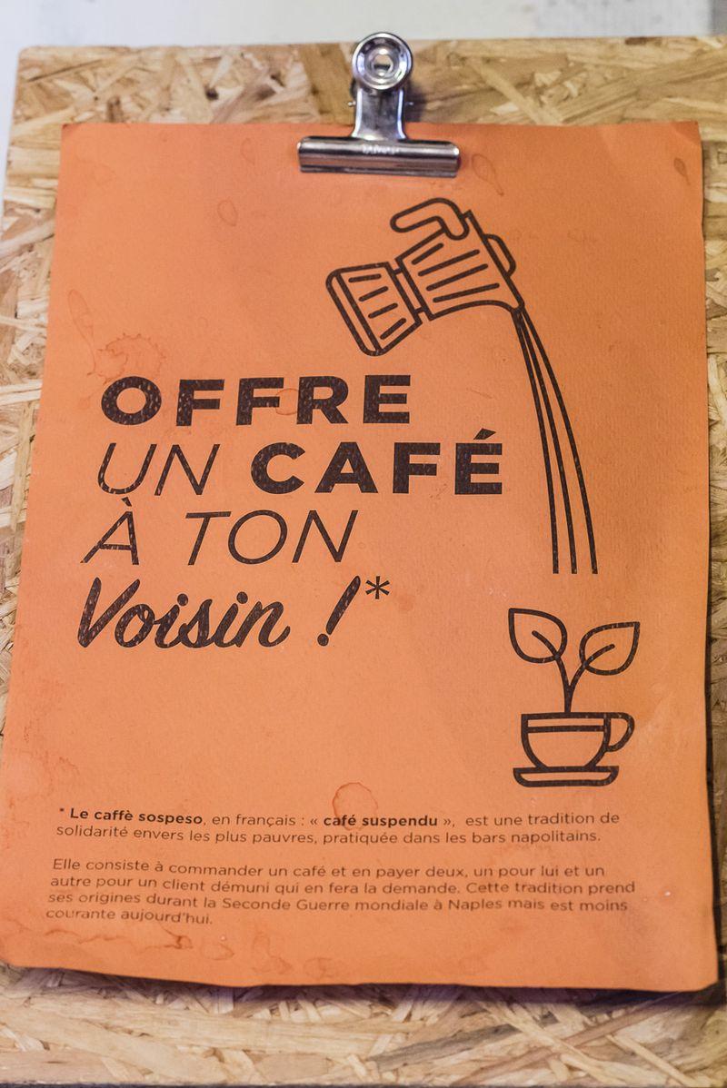 Café suspendu aux Grands voisins